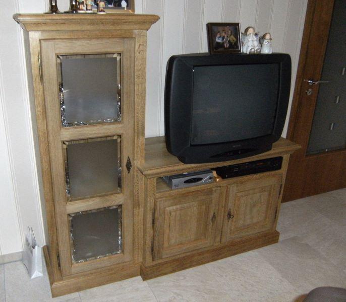 tv schrank rustikal inspirierendes design. Black Bedroom Furniture Sets. Home Design Ideas